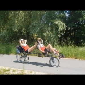 Comfortable and relaxed bicycling - YouTube